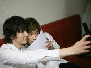 doing selca together 1